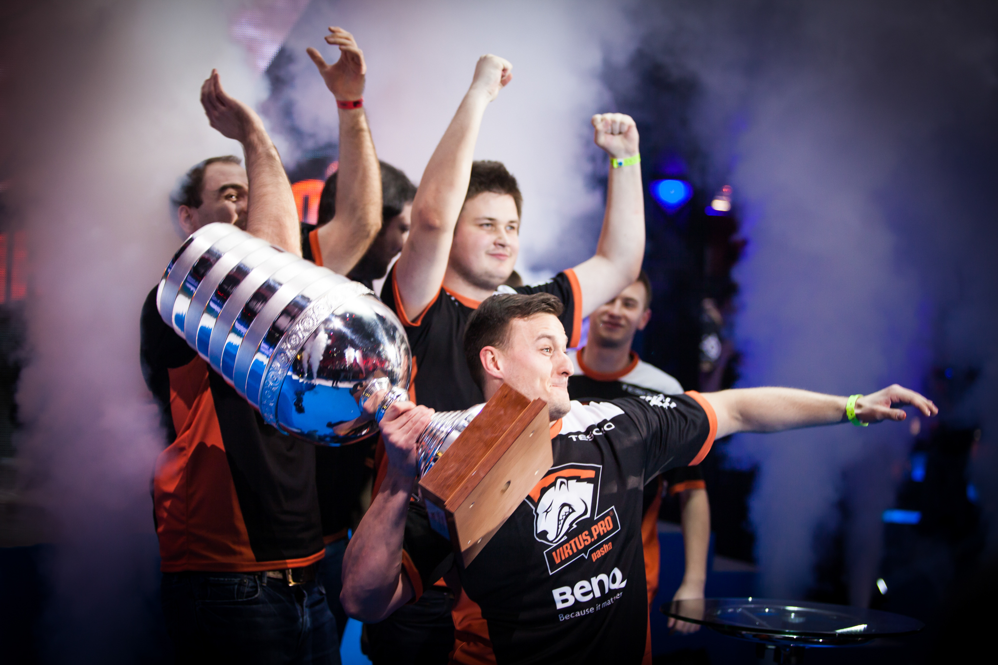 VP raises the trophy at EMS One Katowice 2014 - An important event in my career and still a cherished favorite